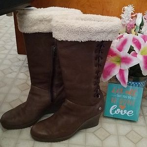 UGG  Brown leather wedge boots